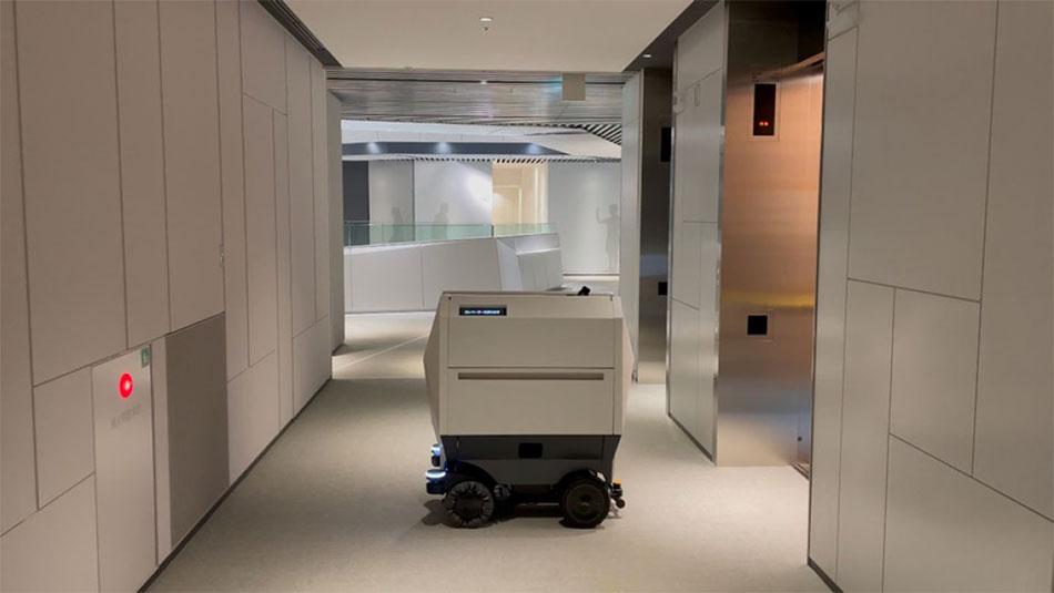 建物設備・ロボット連携基盤を介してエレベータや自動ドアとも連動